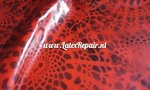 Latex met rood zwart grafisch patroon dessin design om zelf latex kleding te maken ipv te kopen