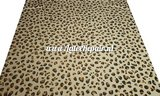 Leopard snow latex wit white black brown spots 01 luipaard