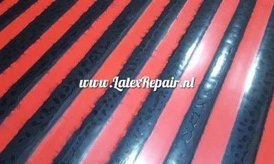 Exclusief latex - Gestreept latex rood/zwart 2 cm