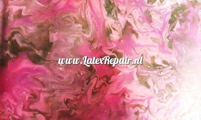 Latex sheet met roze waterverf effecten
